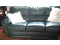 2+3 seater leather sofas in good condition have a couple of marks