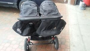 Tike Tech City X3 Swivel DOUBLE STROLLER Kitchener / Waterloo Kitchener Area image 2