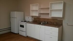 Large 1 bdrm Suite      Avail Today     $545/mth