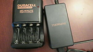 Chargeur Duracell 4 batteries AAA ou AA