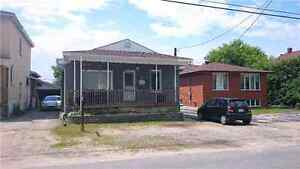4 BR House for Rent $1400+Utilities ::Showing Tuesday 8:00pm::