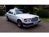 Mercedes 300E W124 Saloon Automatic Diesel Classic Merc Benz White CE SEC S class LWB LHD Original
