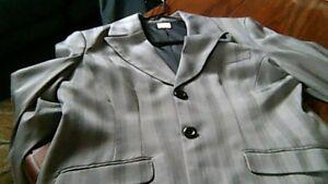 Beautiful Suit, Size 9/10...wide cuff pants....