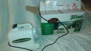 Omega Nutrition Centre Juicer