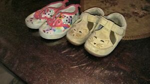 Chaussures bebe size 4