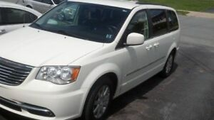 Accident Free - 7 Passenger 2013 Chrysler Town & Country Touring
