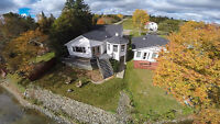 Waterfront house on Oromocto Lake. Only 45 min from Fredericton!