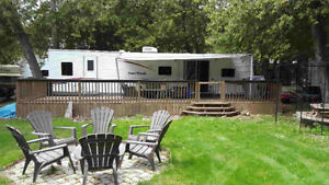 2009 38' Fourwinds Trailer - Move in Ready!