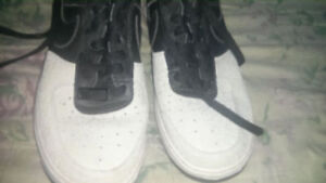 NIKE AIR FORCE 1 LOW CUT LIKE NEW AND 2 MORE NIKE RUNNING SHOES