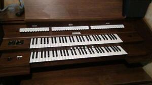 ALLEN Model 120 Organ
