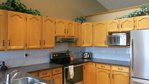 5 BEDROOM PET FRIENDLY HOME FOR RENT IN COCHRANE
