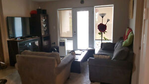 *** Sous-location (5 1/2) / Sublet (3 bedrooms) ***