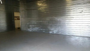 720 SF NOW AVAILABLE WITH A PERSONAL LOADING DOCK!! RENT NOW!!