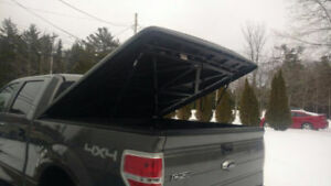 Hard top Tonneau Cover off a Ford F-150