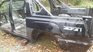 body structure for 2003 to 2006 chev Avalanche