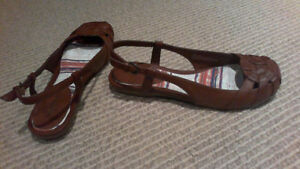 BRAND NEW Women's Brown Sling Open Flats, SIZE 7 London Ontario image 3