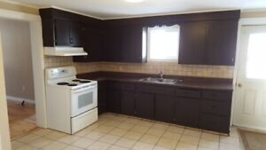 3 Bedroom Up and down duplex for rent!!Heat/Power included!