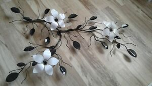 Metal Triple Flower Vine