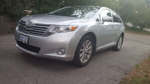 Toyota Venza AWD ~ LOADED & CLEAN CAR PROOF