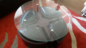 Brown Coffee Table With Small Leather Seats