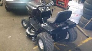 """Murray Riding Lawn Tractor - 14.5hp - 42"""" Deck"""