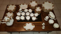 Royal Albert Bone China (Country Rose) 79pc set. Pristine Cond.