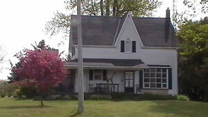 Appin Country Home - 1 acre - just west of London Ontario