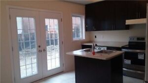 4 Bedroom Over 2000 Sq ft Semi-Detach For Rent Near Square One