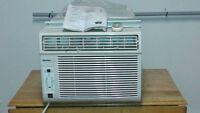 Climatiseur, Air climatisé 10500 BTU 120.00$ nego. vente rapide
