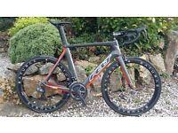 Felt AR2 DI2 Carbon road bike