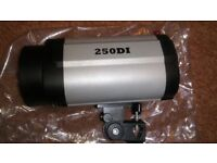 750W Studio Flash Lighting Kit Photography Strobe light 3x250W used once see description