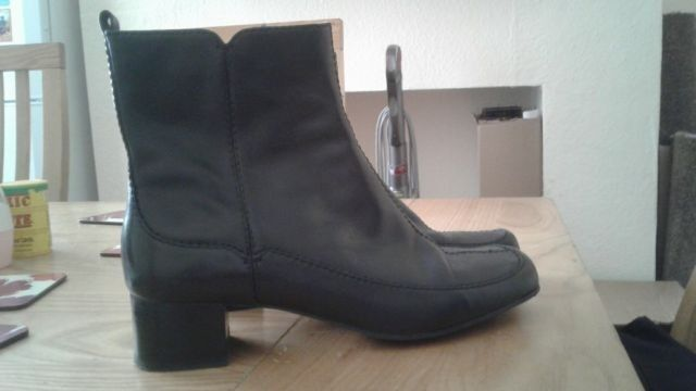 Womens Clarks Bootsin Failsworth, ManchesterGumtree - Womens boots bought from Clarks. Size 6 only been worn once Failsworth area