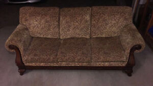 COUCH LIKE NEW!! DON'T MISS OUT ON THIS DEAL London Ontario image 2