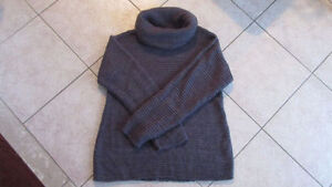 Grey Knit Maternity Sweater from Thyme - Large