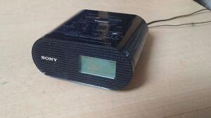 radio-réveil Sony pouvant accueillir ipod / iphone