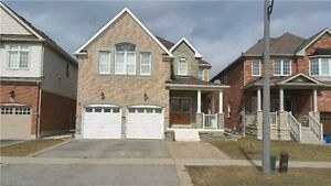 Spacious 4 Bedroom and 5 Bathroom Detached Home near UOIT!!!