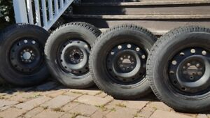 4 Winter Tires with rims. Observer TOYO 225/60 R16 98T