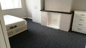 Spacious Large Room In Goodmayes Including Bills