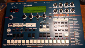 Yamaha RM1X  sequencer  synth rompler