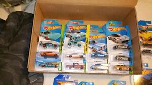 Huge Lot Hot Wheels Cars Over 300 Some Rare / T-Hunts