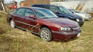 Various cars for parts or whole
