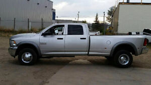 2014 Ram 3500 ST 4X4 MANUAL  6 speed  YOU,RE APPROVED