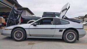 1986 Pontiac Fiero GT Coupe (2 door)