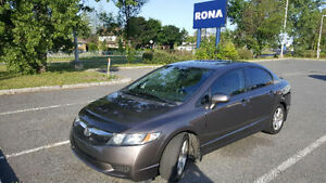 Honda Civic 2011 automatic mags vitres teintees toît ouvrant
