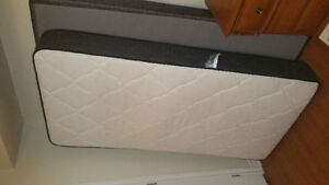 BEAUTYREST SINGLE MATTRESS/BOXSPRING AND BED FRAME