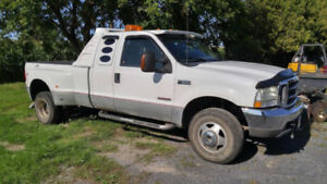 2004 Ford F-350 4x4 XLT Extended-cab Powerstroke Diesel