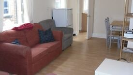 5 BEDROOM PROPERTY - RICHMOND ROAD - TV INCLUDED - STUDENTS/PROFESSIONALS ONLY ACADEMIC YEAR 2017/18
