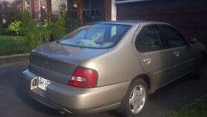 2001 Nissan Altima Sedan for only $1000!