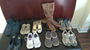 16 pairs of women shoes size 6