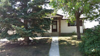 Airdrie: Pet Friendly 3 bdrm Main Floor with Fireplace!